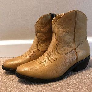 NEW Shoemint Stevie Boots 7.5